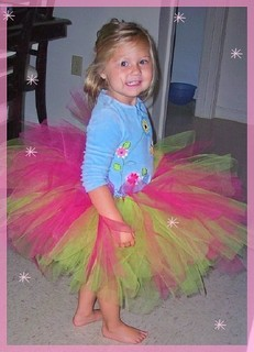 How to make a No Sew Tutu DIY Tutorial Instructions | MomDot.com
