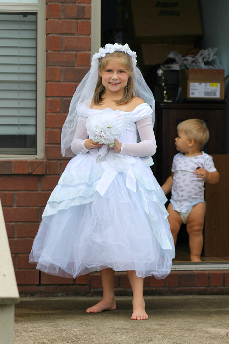 bride-kids-costume