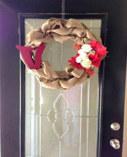 How to make a canvas door wreath for fall, DIY Crafting | MomDot.com