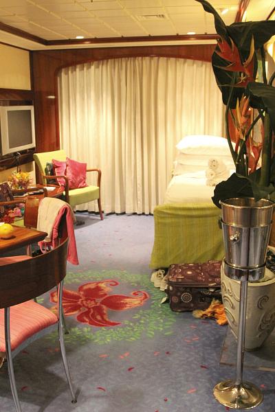 Norwegian Jewel Topaz Suite