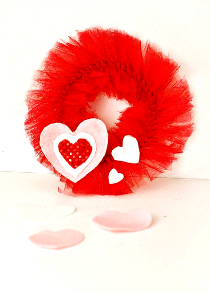 Mini Tulle Wreath Valentines Day Craft DIY for Loved Ones Gifts this season!