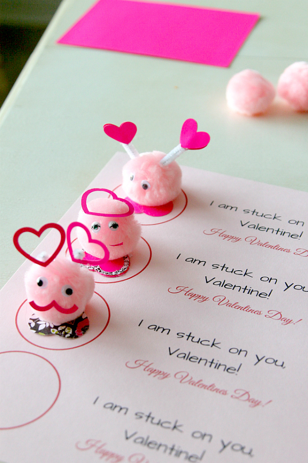 "Valentines Day Friends: ""Stuck on you"" with Free Printable, Easy Kids Craft by MomDot.com"