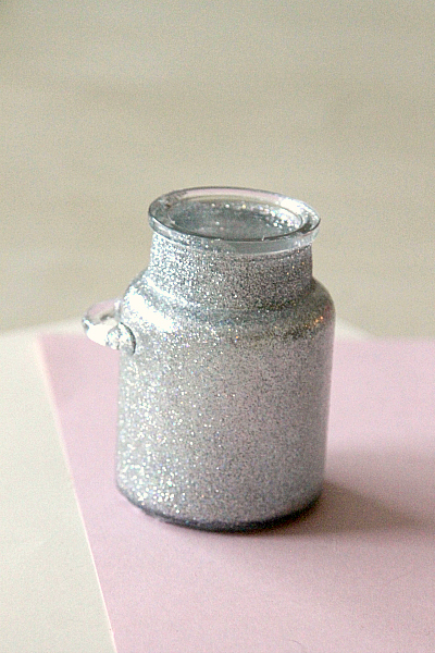 DIY Sparkly Jar with Modge Podge, 2 step process