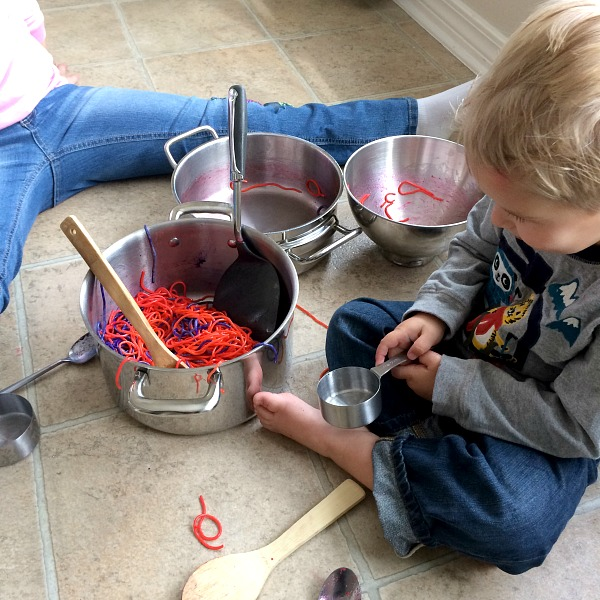 DIY Colored Spaghetti - More than food, its fun playtime for kid activities! Perfect for any age, picture tutorial by www.momdot.com