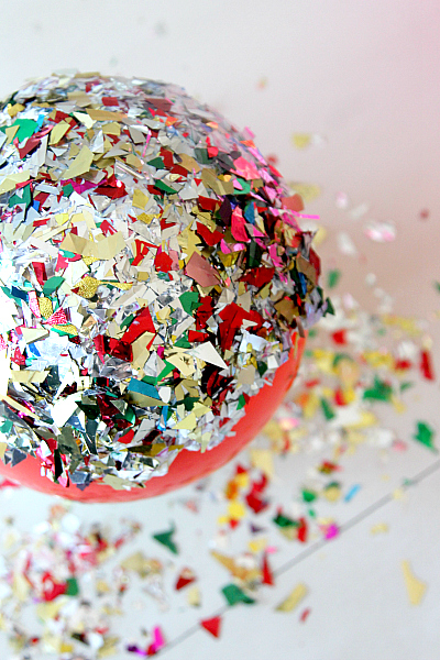 Valentines Day DIY Glitter Bowl with Modge podge and balloons