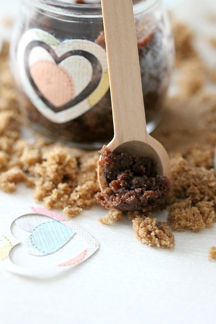 lip brown sugar scrub