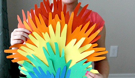 St Patricks Day Kids Activity: Handprint Rainbows more at www.momdot.com