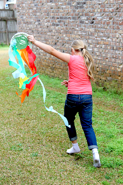 Paper Plate Wind Sock: Rainbow Crafting