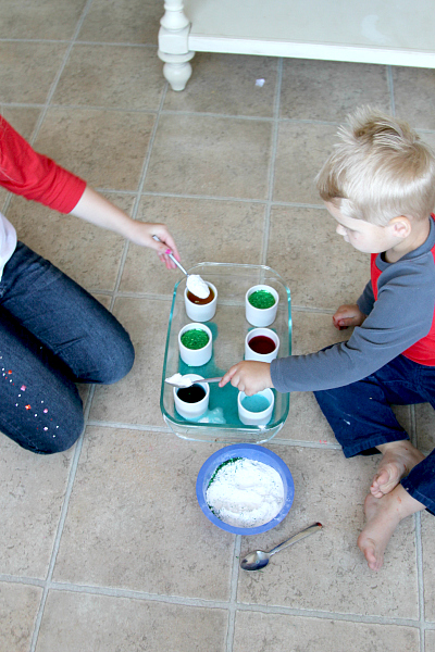 Baking Soda Kitchen Activity for Kids, www.momdot.com