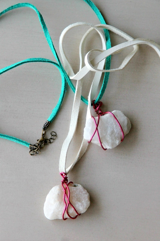 Wire Wrapped Rock Necklace for Kids, learn more from www.momdot.com