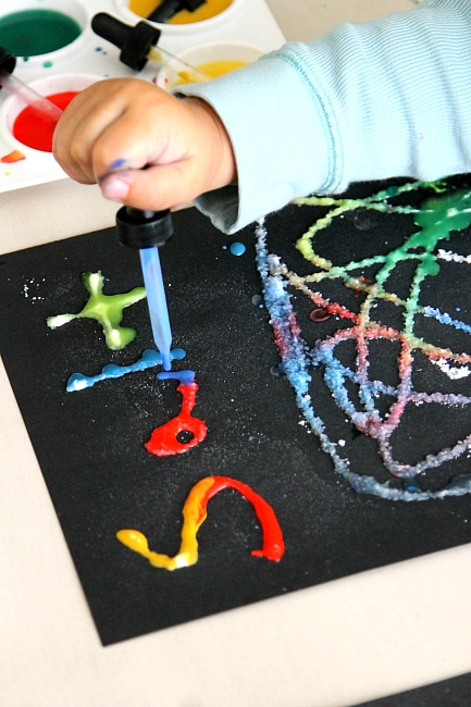 Science for Toddlers, a fun Salt, Sugar, Flour and Baking Soda Experiment, www.momdot.com
