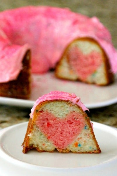 "Make a cake with a little ""love inside"" for birthdays or gender reveal parties! Easy photo instructions will make you say WOW! I can do that!"