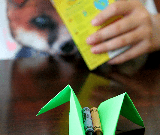 Create a crayon table tray with papercrafting, from the mind of a 9 year old