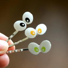 "Spooky and Sweet Halloween DIY Bobby Pin  ""Peekaboo"" eyes! Picture tutorial"
