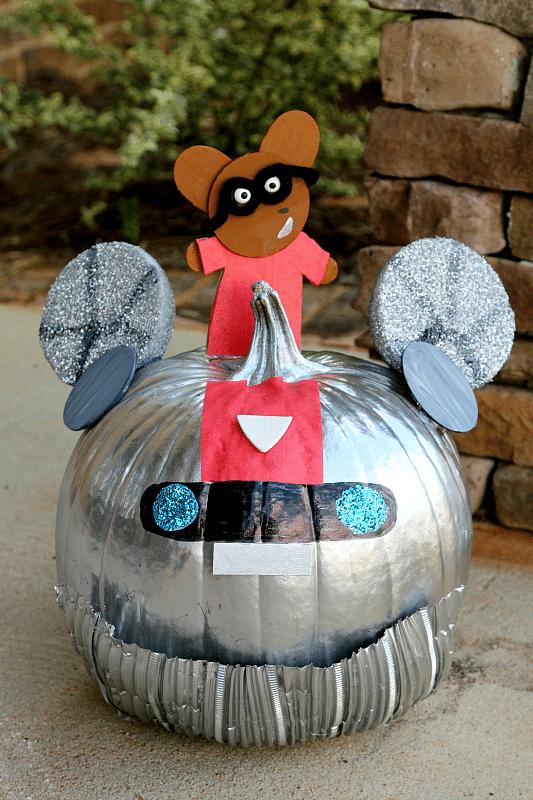 Ricky Ricotta,  Mighty Robot No Carve Pumpkin DIY
