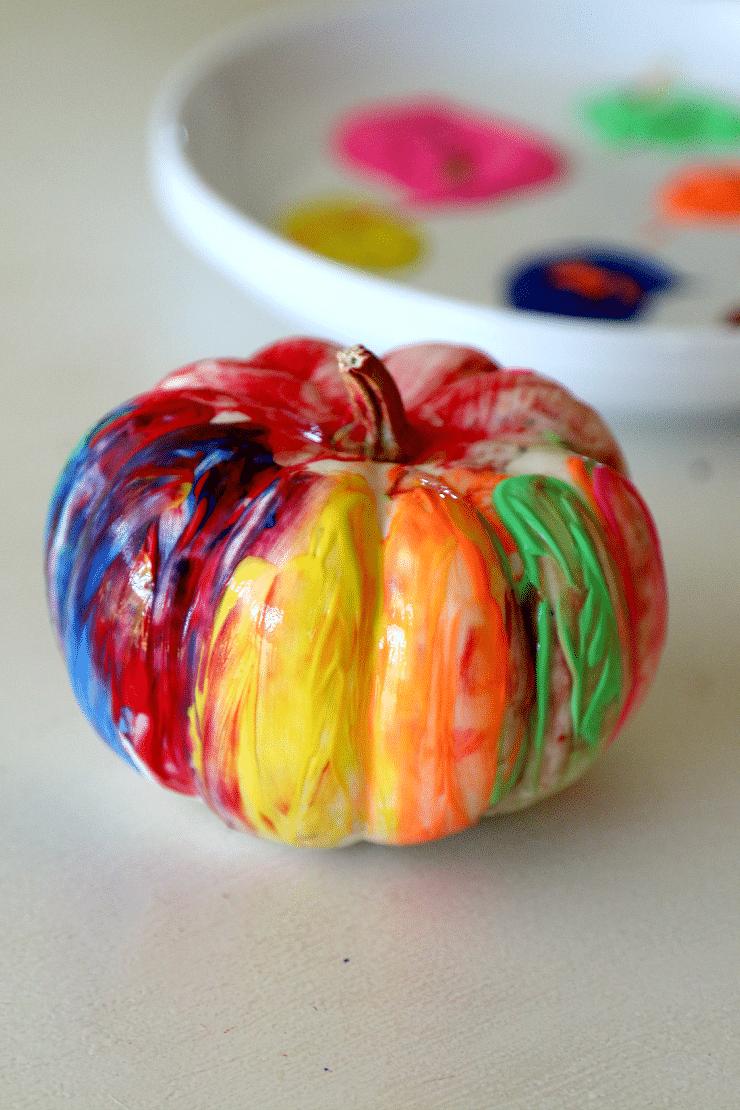 fingerpainting a pumpkin toddler friendly momdot