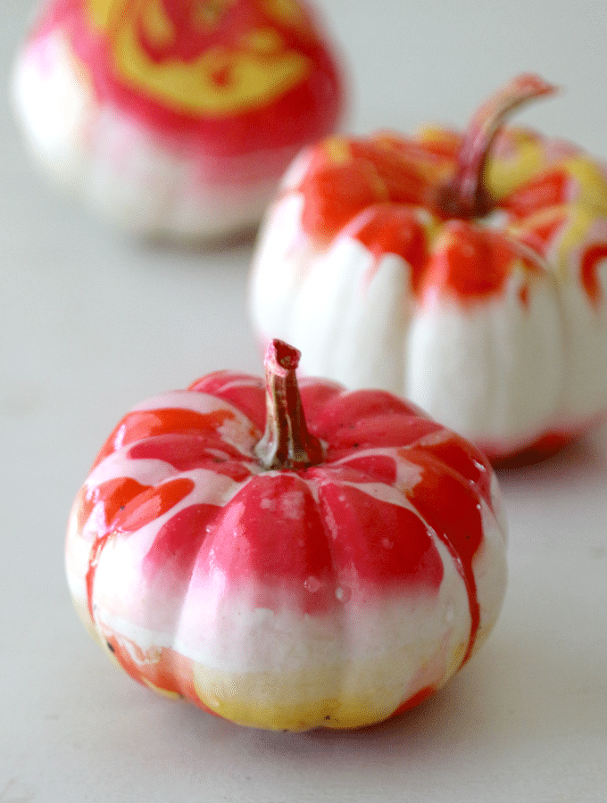 Marbling Pumpkins: Easy DIY Step by Step Tutorial to use nail marbling technique for no carve pumpkin