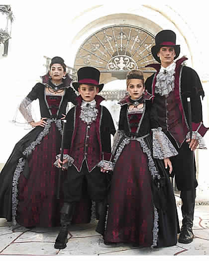 vampires family costumes for halloween