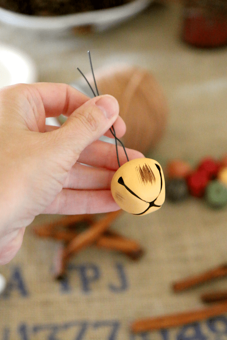 Cinnamon Stick Star Ornament : Christmas DIY that smells amazing with a little jingle