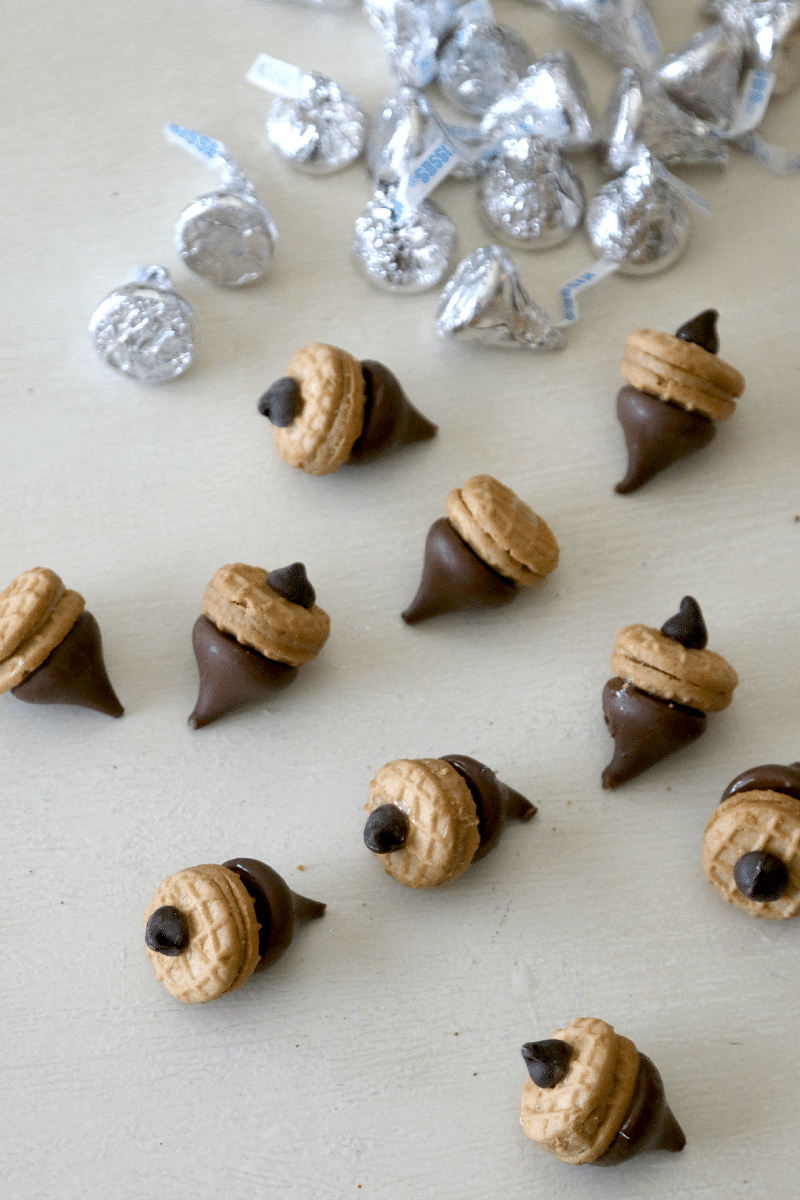 Acorn Treats: Create Thanksgiving Dessert with fun Acorn lookalikes using Hersheys Kisses and Nutter Butters