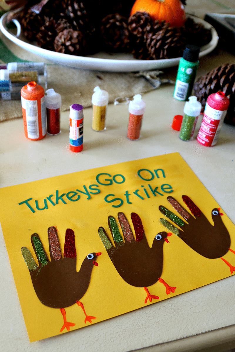 Turkeys Go On Strike : Hand Print Turkey