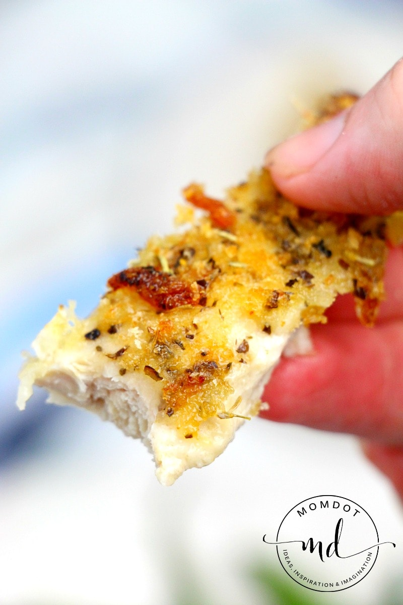 Parmesan Crusted Chicken 3 Ingredients to a perfectly juicy meal that the entire family will love, QUICK and EASY without sacrificing taste