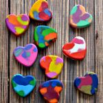 DIY Crayon Hearts and Valentine's Day Cards Craft for Kids