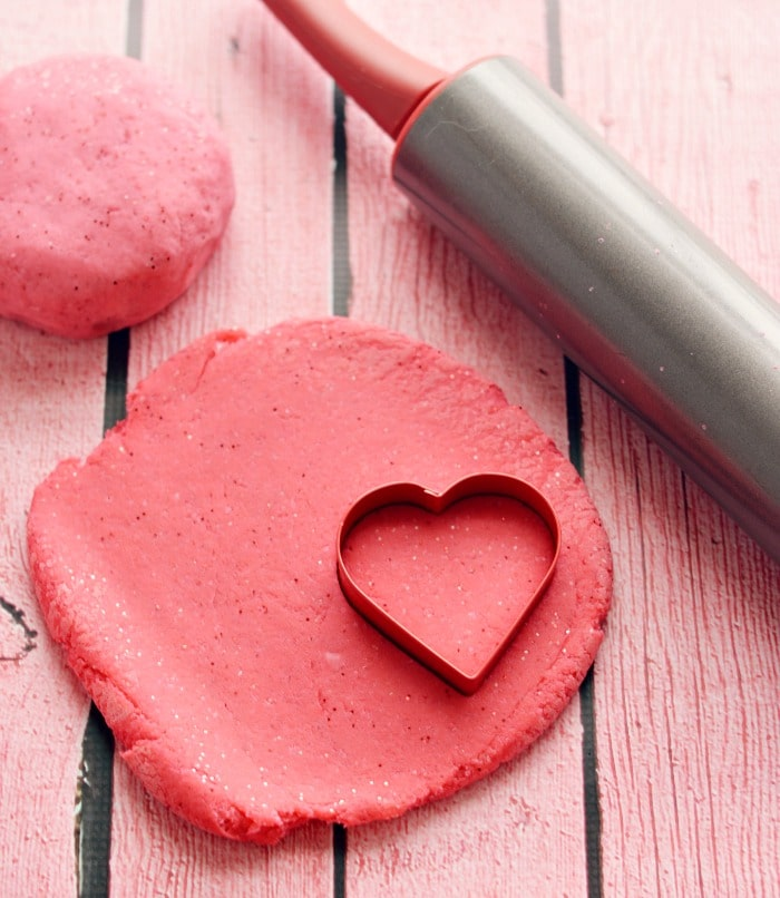 Homemade Glitter Playdough Recipe: how to make !