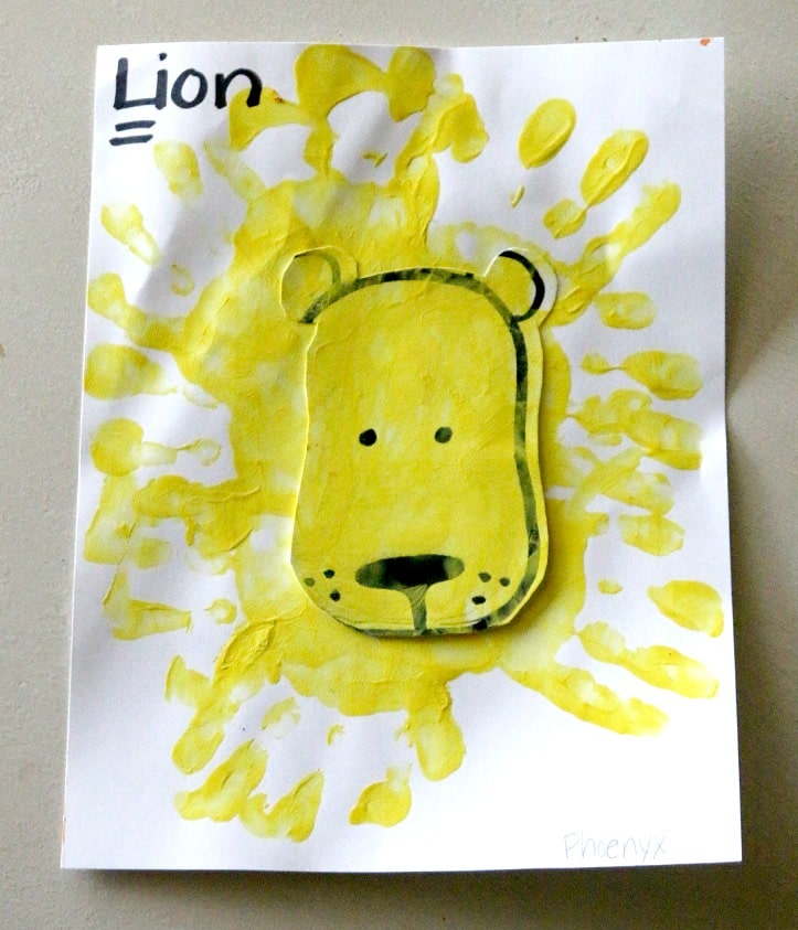 handprint lion craft project