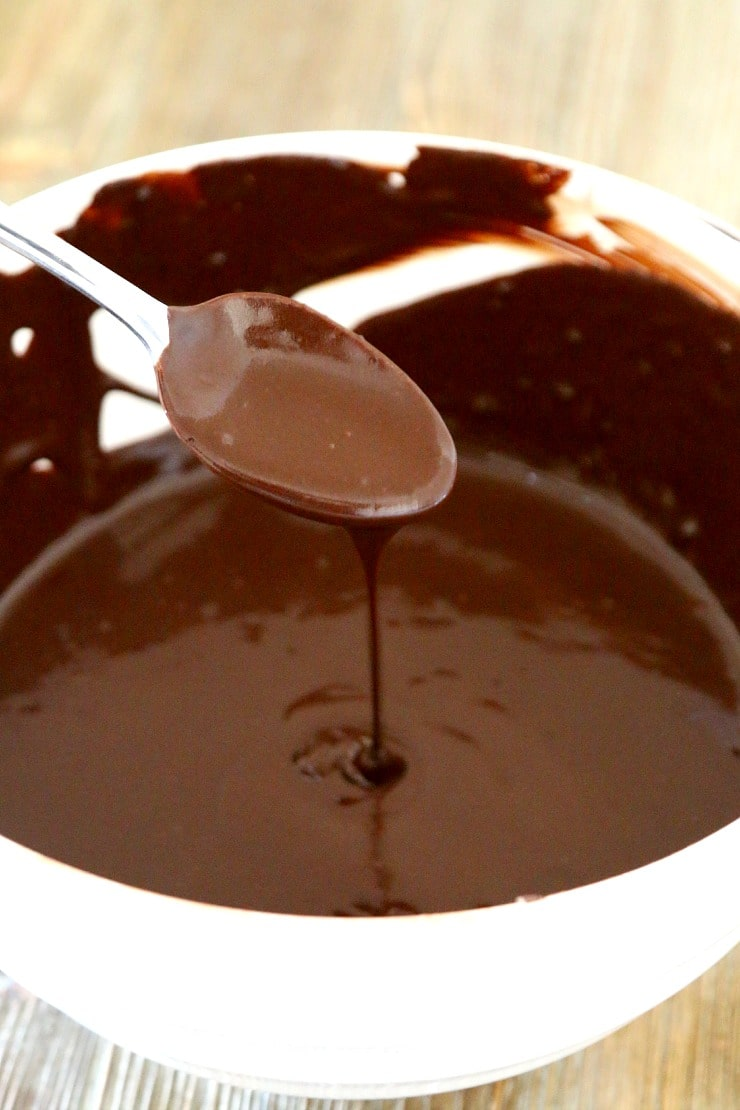 how to make homemade chocolate perfect for valentines day and other treats