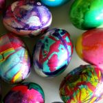 how to: marbleizing easter eggs, Fun DIY for Marbling Beautiful Easter Eggs
