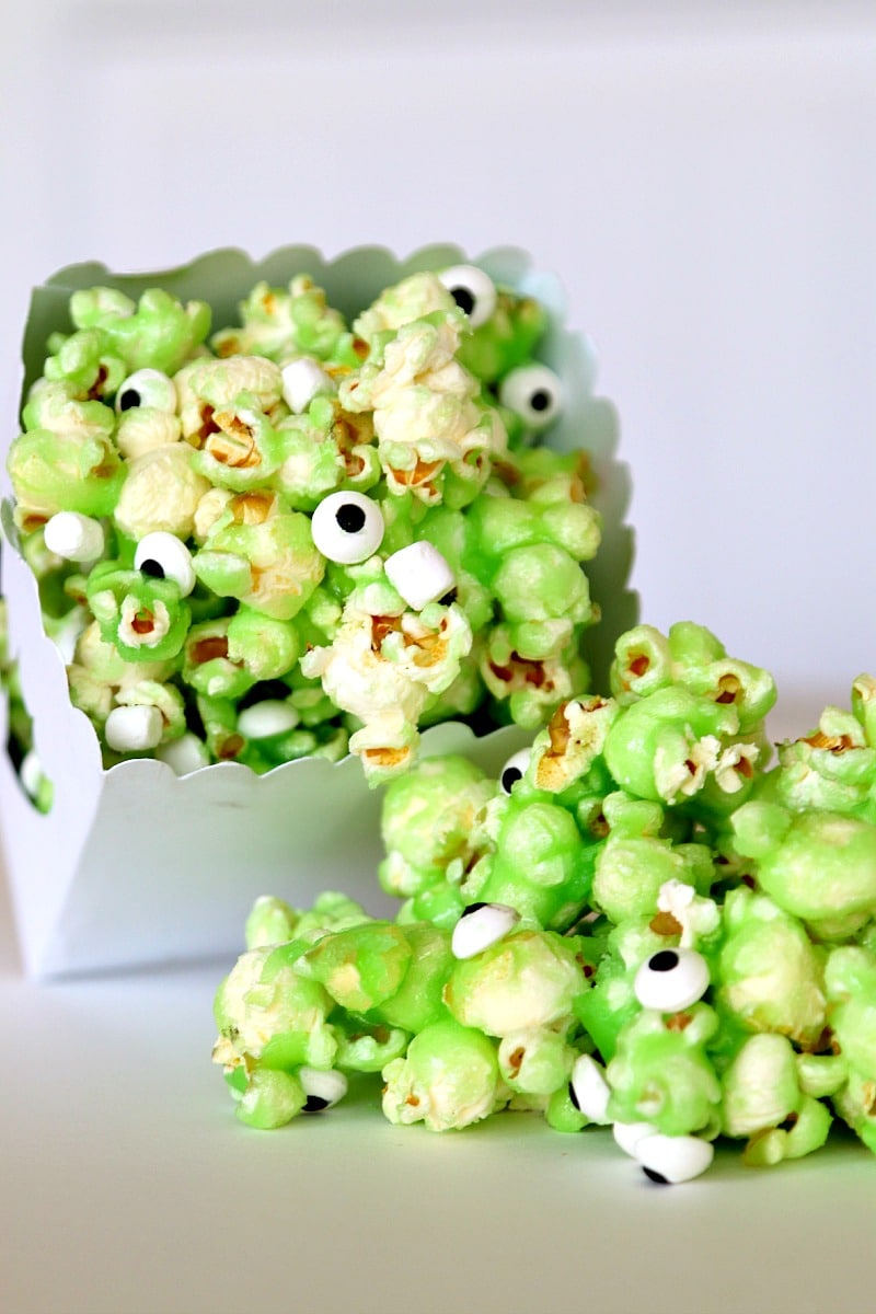 Monster Popcorn: Get your munch on with eyeballs and green slime (tastes delicious I promise) Boys Birthday party!