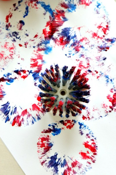 4th of July Kids Fireworks Art Craft Using a Dish Brush