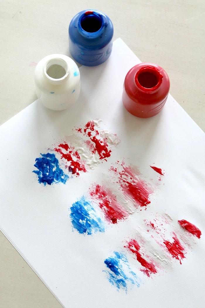 4th of July Kids Flag Art Craft Using a Dish Brush
