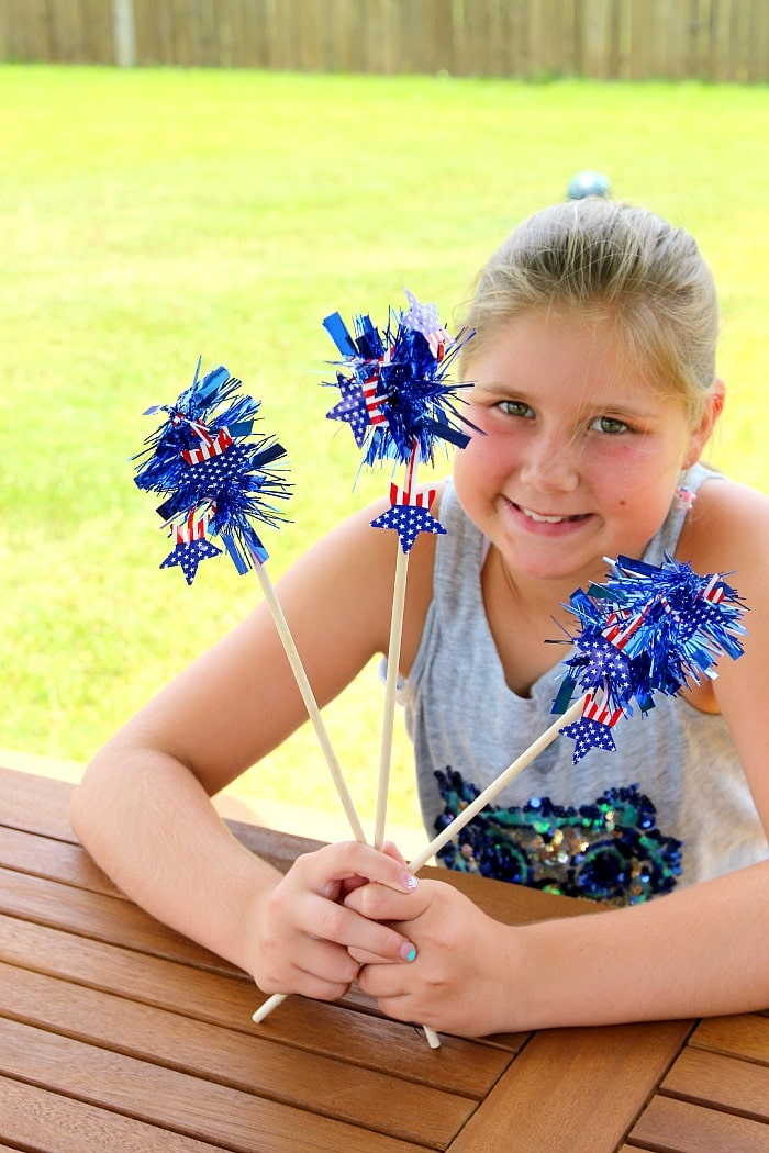 Toddler and Preschooler Safe Sparkler DIY perfect for the little ones 4th of July Fun, Easy and Quick DIY