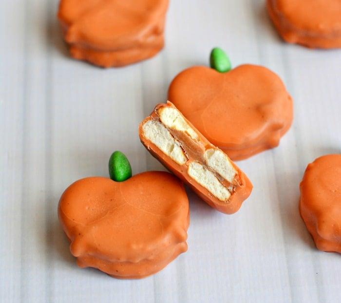 Caramel-Pretzel-Pumpkins-WiltonTreatTeam