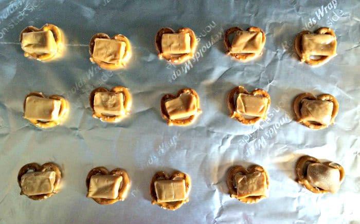 Caramel-Topped-Pretzels