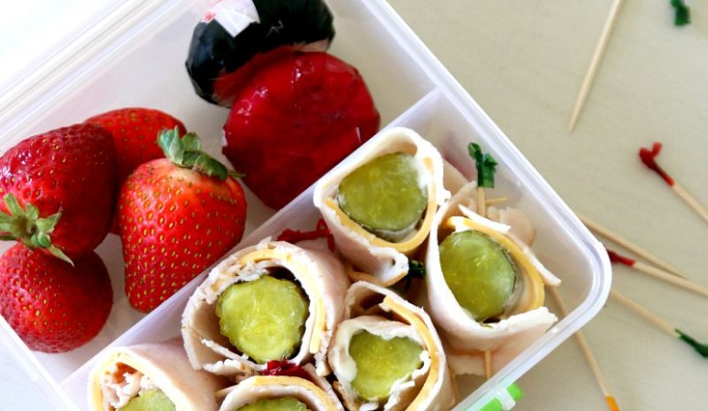 Easy Sandwhich alternative for lunch time, Pickle Rollups, a kids total lunchtime favorite! perfect recipe for afterschool snacking too