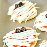 Mini Mummy Pizza with English Muffins