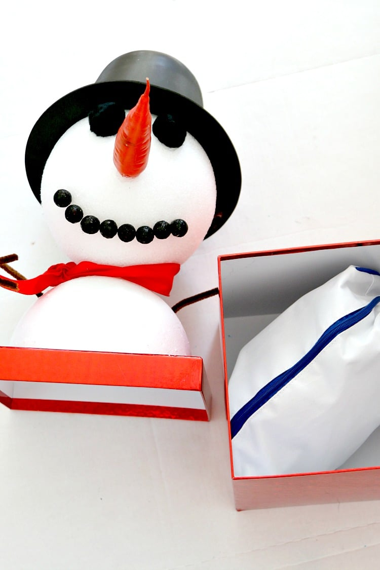Turn a plain old box into a snowman to gift this Christmas, Delight kids with this tutorial that makes your gift something special
