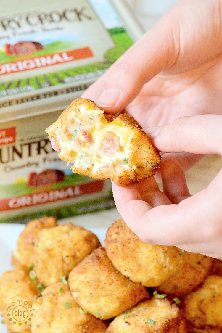 Loaded Mashed Potato Bombs, kick up your dinner table! Plus sour cream and garlic butter sauce dipping recipe
