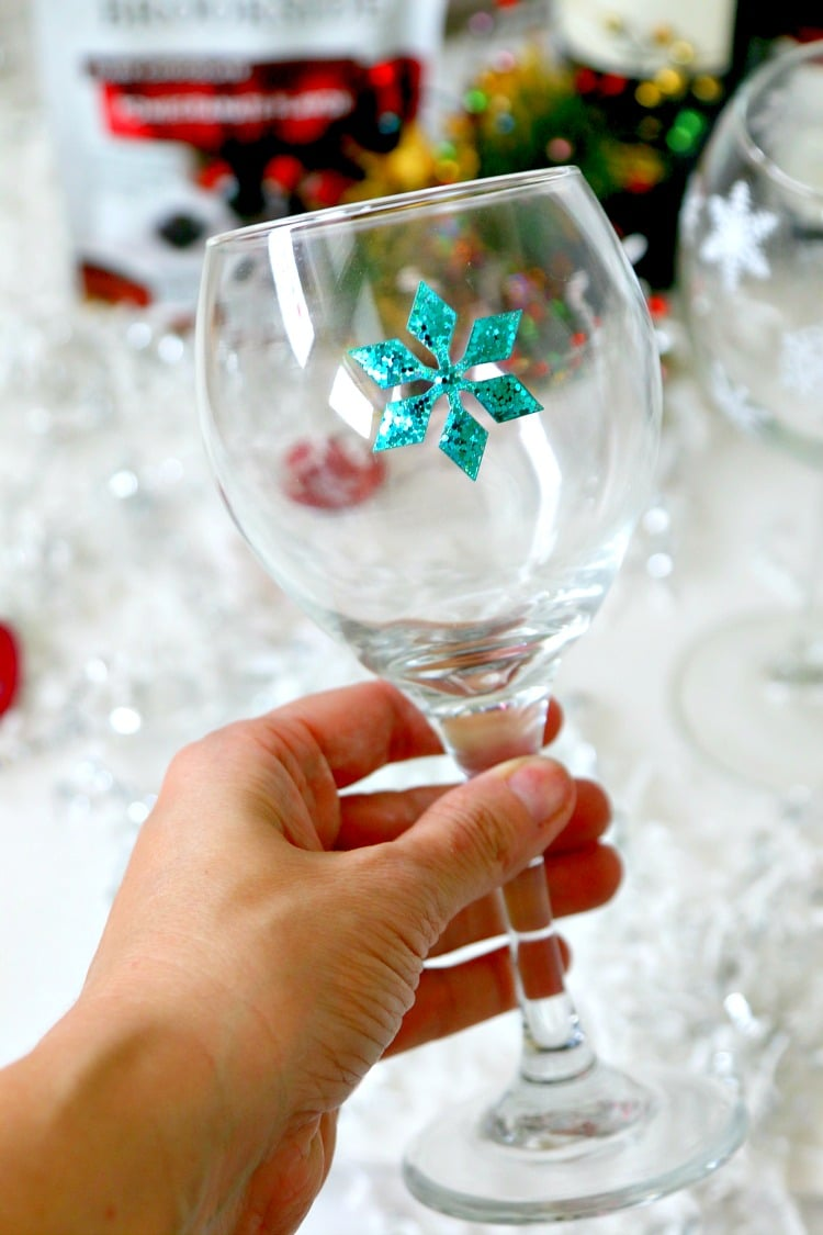 Create a holiday custom wine glass in 30 seconds