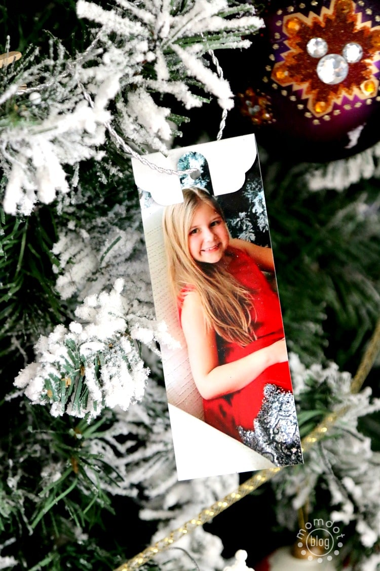 Create Photo Tags to personalize or mark Christmas presents or to even use as a DIY Ornament - here is how!