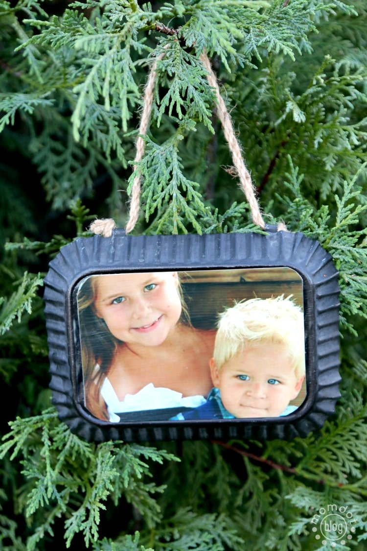 Metal Frame DIY Personalized and Homemade Ornament, perfect for Grandma. Takes minutes to make!