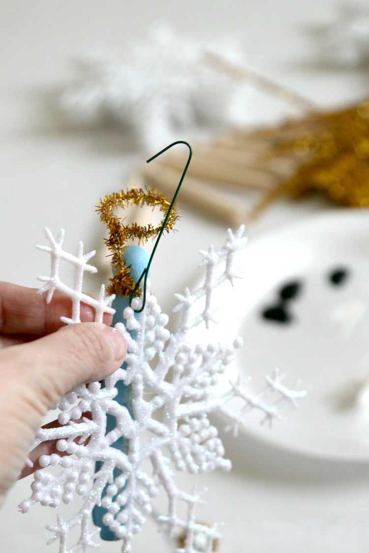 Christmas Light Hanger