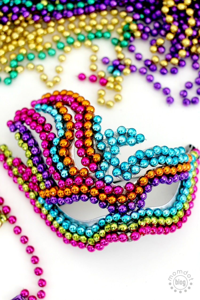 Make your Own Mardi Gras Mask with Leftover Beads - easy, creative and beautiful. DIY Masquerade ball mask