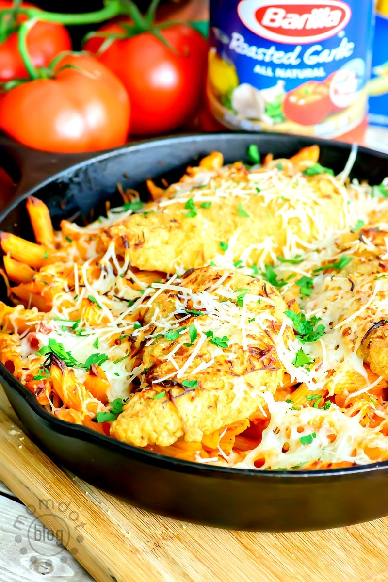 One Skillet Chicken Parmesan Pasta
