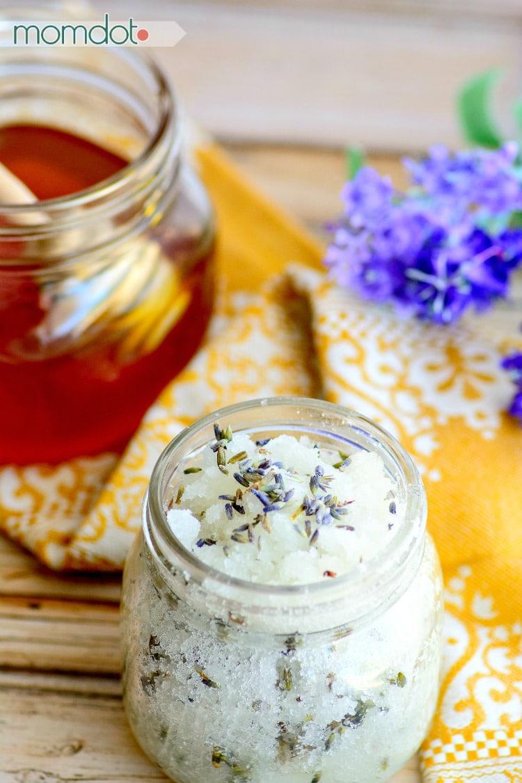 4 Lavender Sugar Scrub Recipe ideas! Lavender and Honey Sugar Scrub Recipe : Never buy store bought scrub again!
