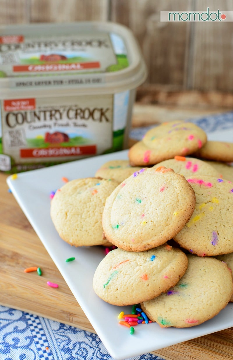 Fairy Ice Cream Cookie Sandwiches - Make it Yours cookie recipe, a basic cookie recipe that you can add anything to