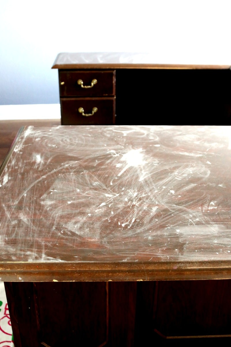 Chalkboard desk top and refinishing desk, office makeover DIY